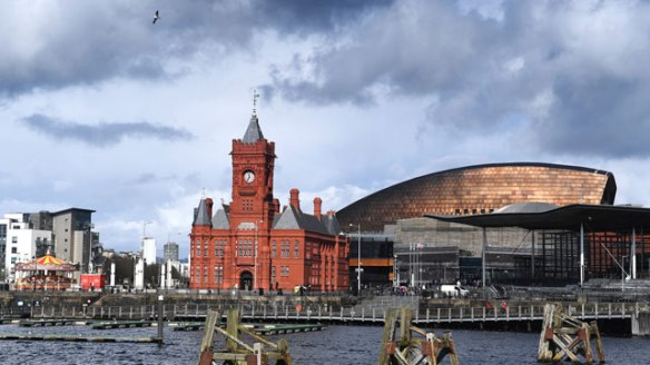 We have a number of professionals looking to rent a room in Cardiff Bay